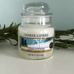 Brand New small jar YANKEE CANDLE Clean Cotton